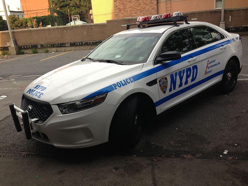 800px-NYPD_Ford_Police_Interceptor_2013