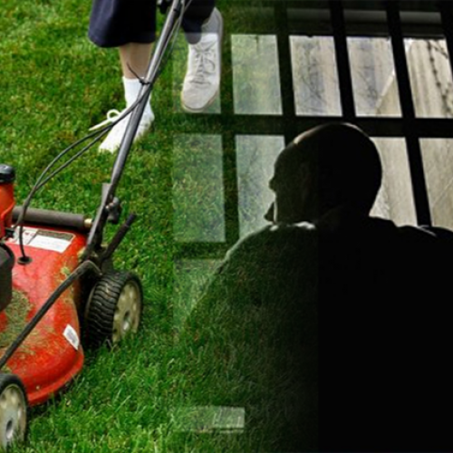 "Cops Lock Man Behind Bars for 17 Days For Having ""Overgrown Lawn"""