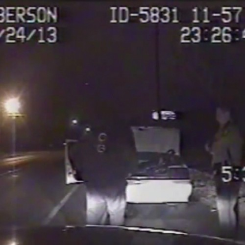 """Cop Pulls Down Citizen's Pants and """"Inspects"""" Genitals on Side of Road"""