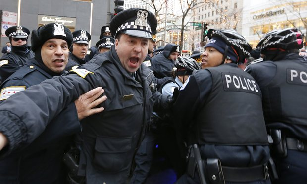 Chicago-police-angry-by-AP