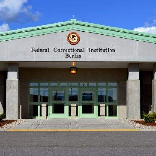 New Hampshire Corrections Officer Pleads Guilty to Accepting Bribes