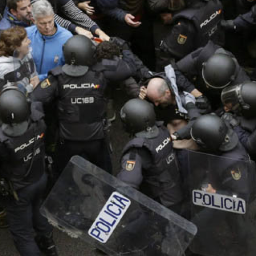 [WATCH] 844 People Injured as Spanish Cops Fire Rubber Bullets at Catalonia Referendum