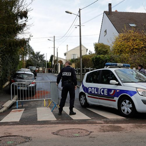 Paris Cop Goes on Shooting Rampage After Break-Up With Girlfriend