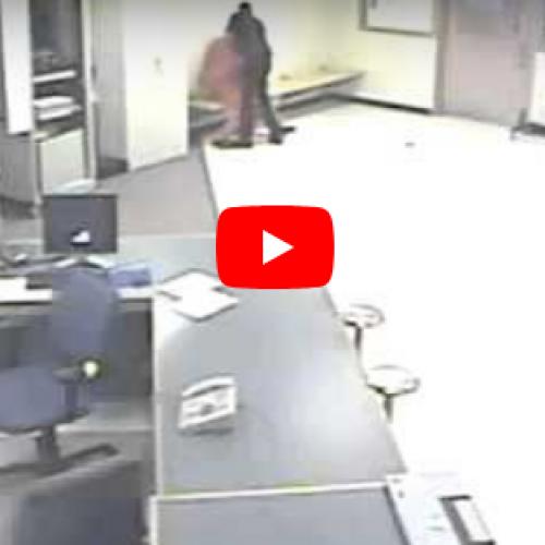 WATCH: New York Lieutenant Savagely Beats Handcuffed Inmate